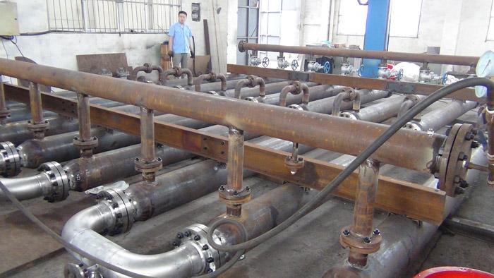 液反应过程可以采用lgchf-i型液~液管式反应器(强化传热混合反应器).